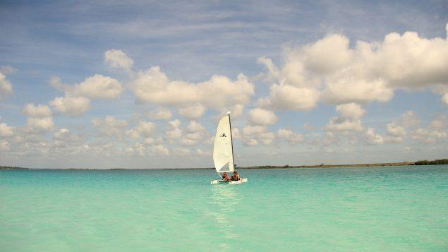 10-Tips-para-que-tu-proximo-viaje-a-Bacalar-sea-inolvidable-635x357.jpg