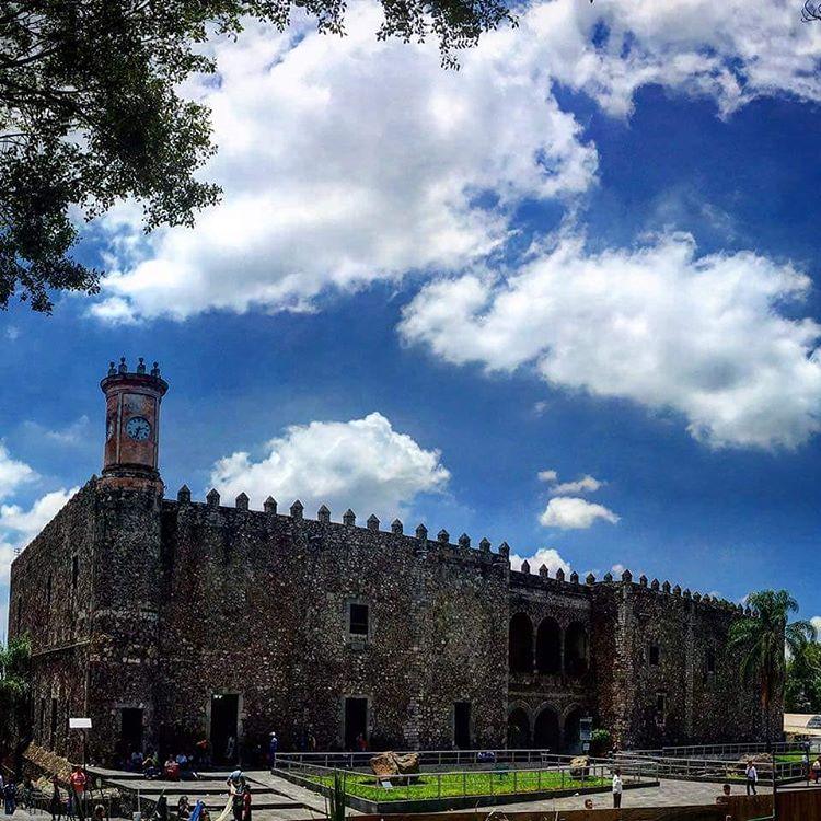 Palacio-de-Cortes-Cuernavaca.jpg
