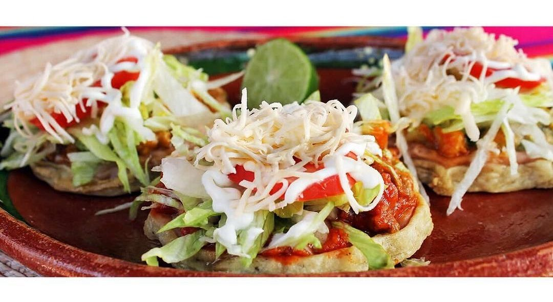 sopes-comida-mexicana.jpg