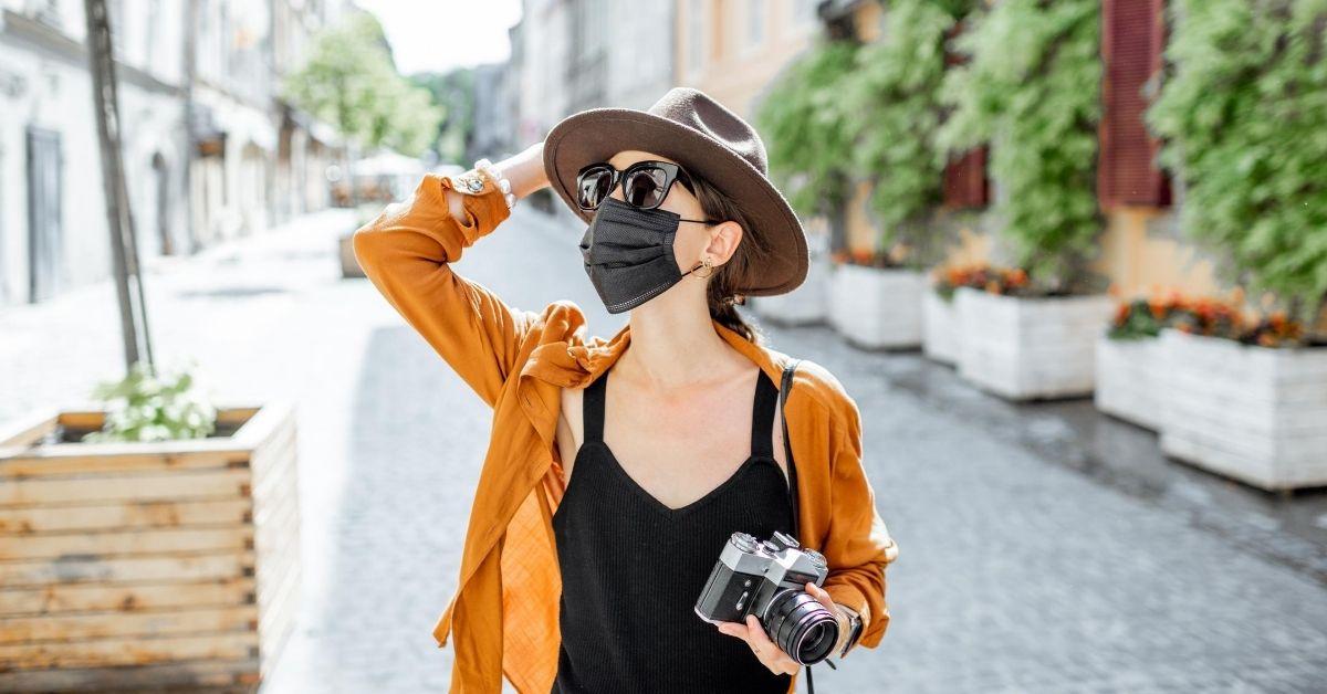 cubrebocas-para-viajar-10-Tips-para-Viajar-con-Seguridad-en-la-Nueva-Normalidad.jpg